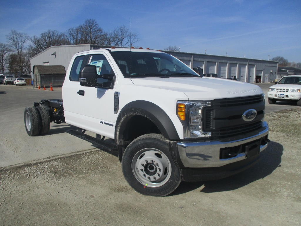 2017 F-550 Super Cab DRW 4x4 Cab Chassis #T70344 - photo 8