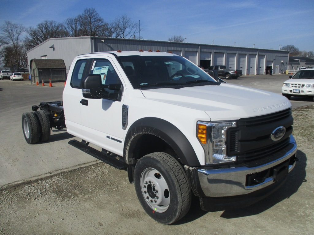 2017 F-550 Super Cab DRW 4x4 Cab Chassis #T70344 - photo 3