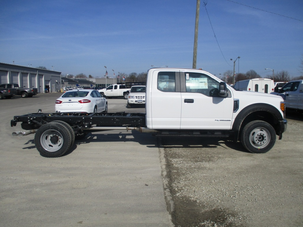 2017 F-550 Super Cab DRW 4x4 Cab Chassis #T70344 - photo 4