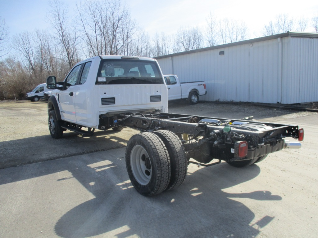 2017 F-550 Super Cab DRW 4x4 Cab Chassis #T70344 - photo 7