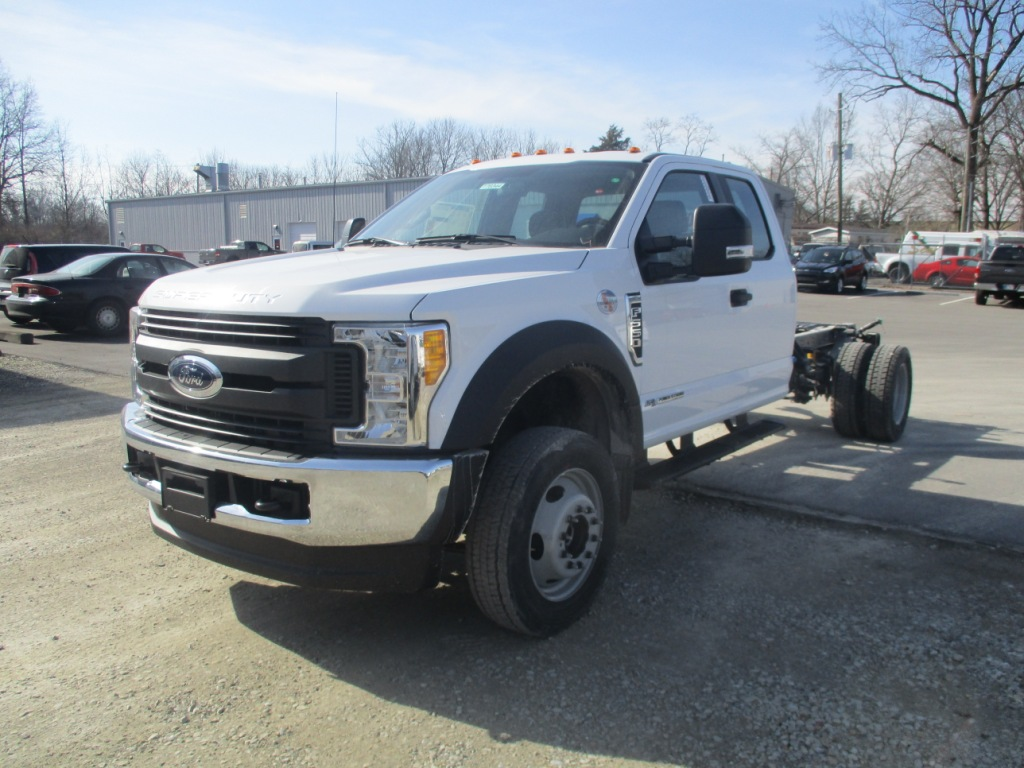 2017 F-550 Super Cab DRW 4x4 Cab Chassis #T70344 - photo 9