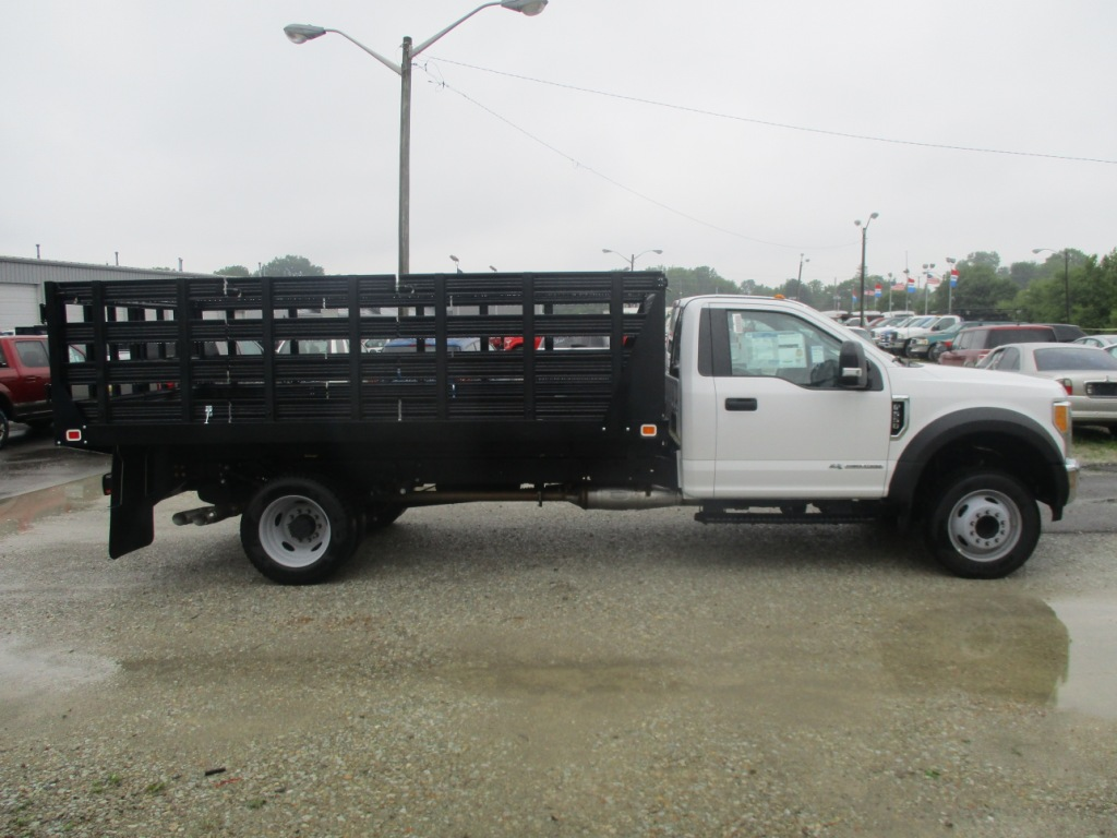 2017 F-550 Regular Cab DRW 4x2,  Knapheide Stake Bed #T70507 - photo 4