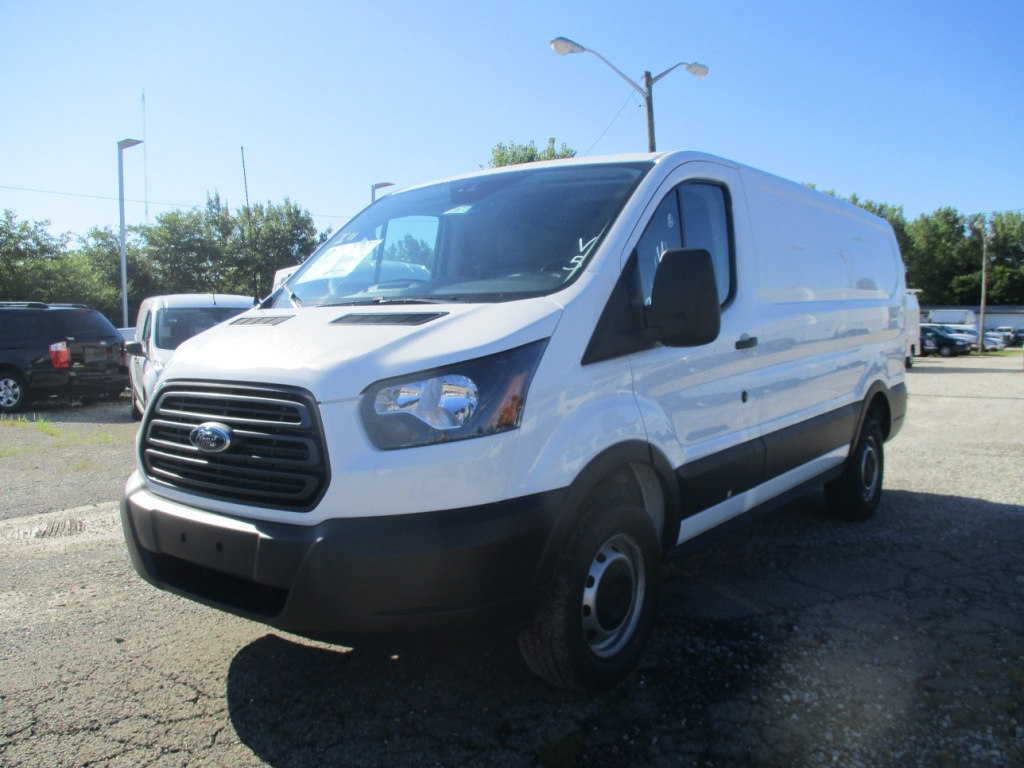 2017 Transit 250 Cargo Van #T70672 - photo 9