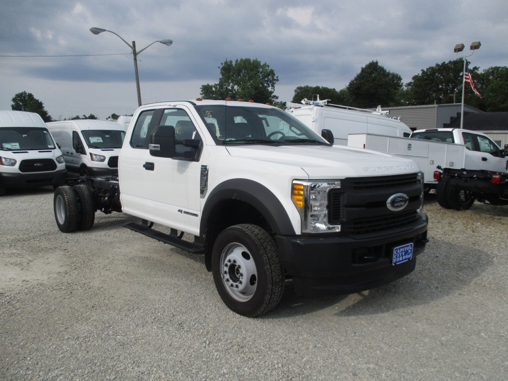 2017 F-550 Super Cab DRW 4x4, Cab Chassis #T70686 - photo 3