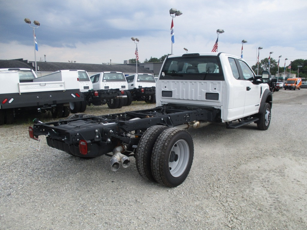 2017 F-550 Super Cab DRW 4x4, Cab Chassis #T70686 - photo 2