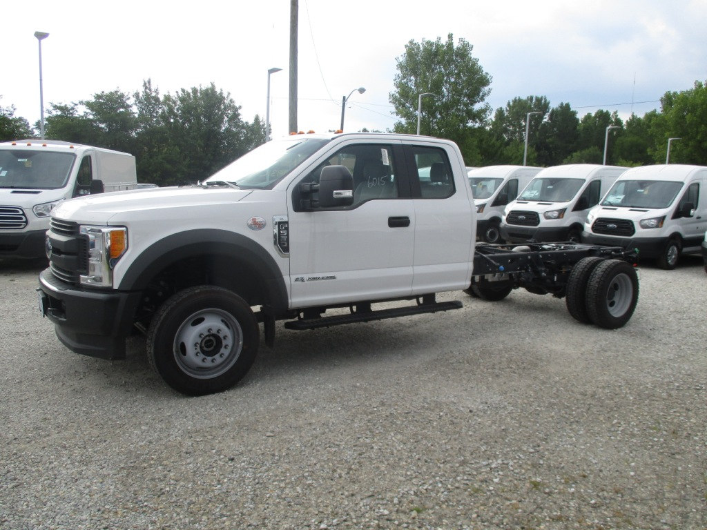 2017 F-550 Super Cab DRW 4x4, Cab Chassis #T70686 - photo 6