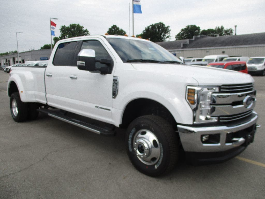 2018 F-350 Crew Cab DRW 4x4,  Pickup #T80643 - photo 3