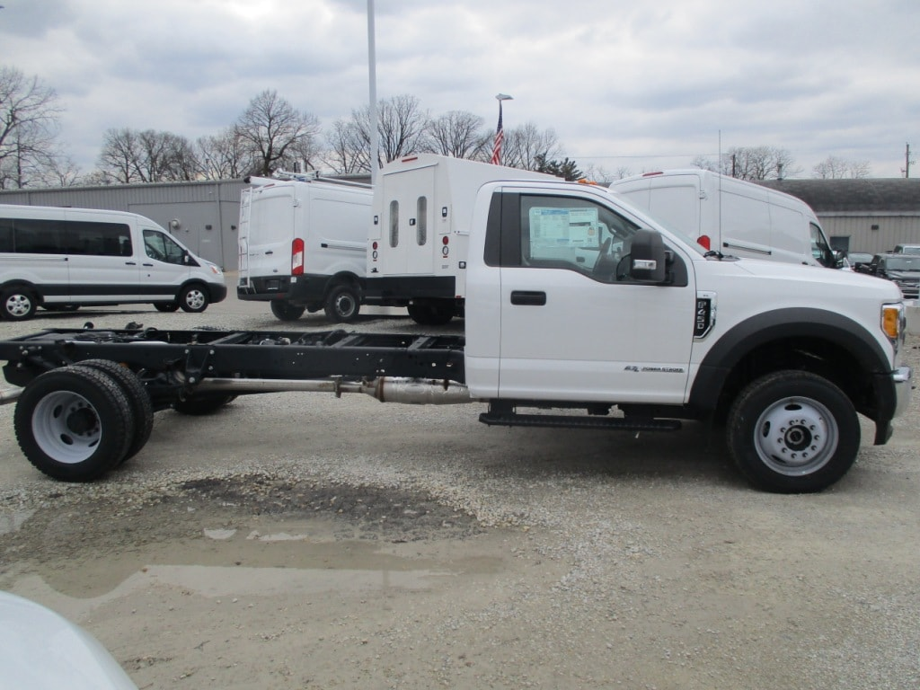 2017 F-450 Regular Cab DRW 4x4,  Cab Chassis #Z2895 - photo 3