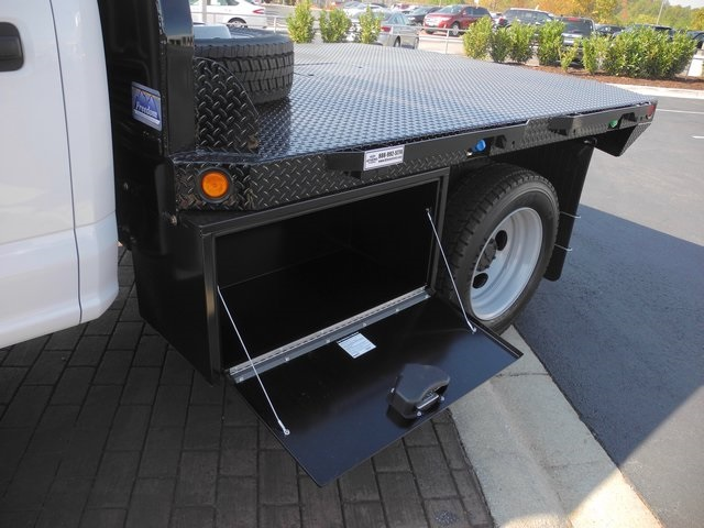 2017 F-550 Crew Cab DRW 4x4, Freedom Platform Body #EB30615 - photo 17