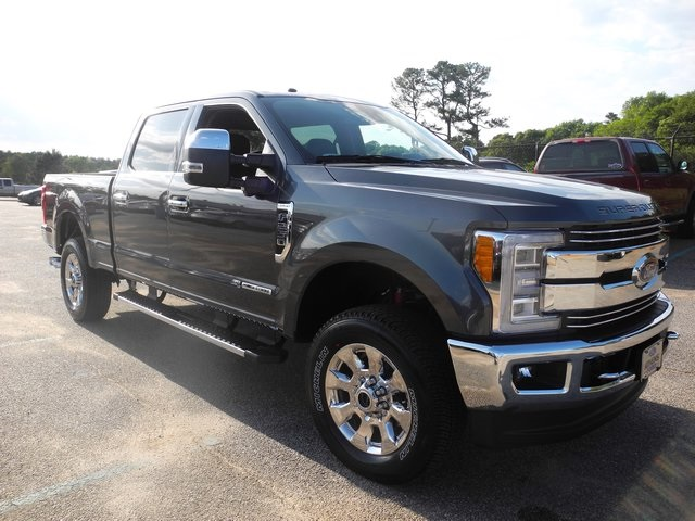 2017 F-250 Crew Cab 4x4, Pickup #ED29370 - photo 3