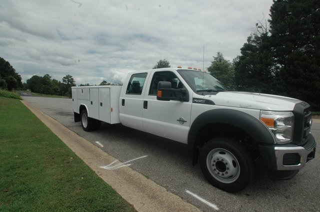 2016 F-450 Crew Cab DRW, Reading Service Body #ED49152 - photo 3