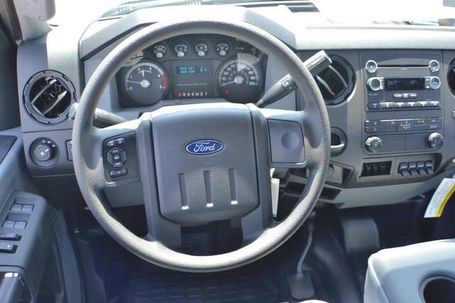 2016 F-550 Crew Cab DRW 4x4, Reading Service Body #ED49164 - photo 3