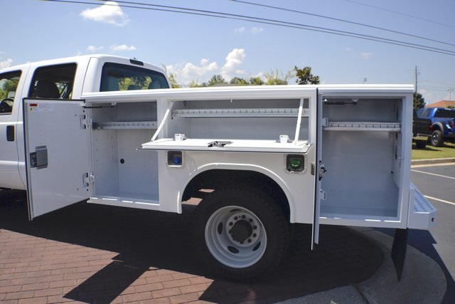 2016 F-550 Crew Cab DRW 4x4, Reading Service Body #ED49164 - photo 8