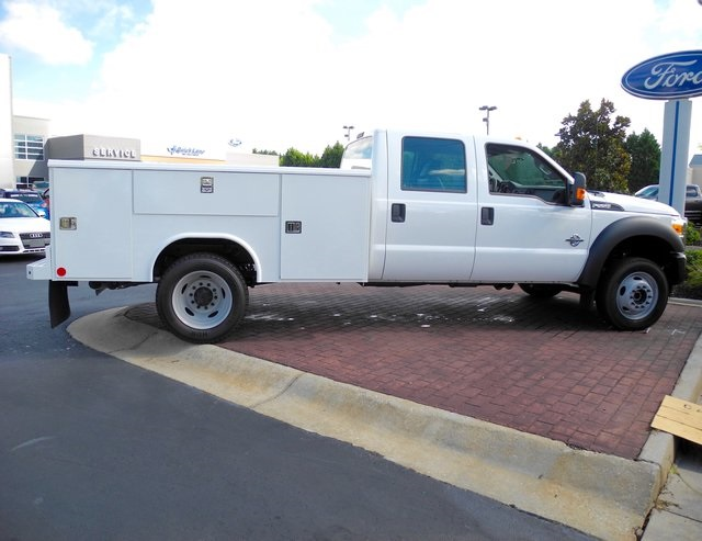 2016 F-550 Crew Cab DRW 4x4, Reading Service Body #ED49165X - photo 2
