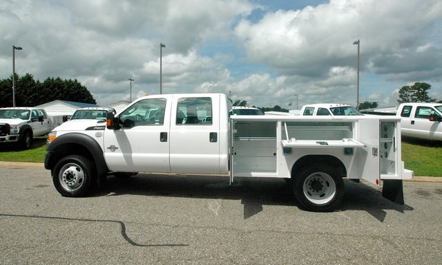 2016 F-550 Crew Cab DRW 4x4, Reading Service Body #ED49166X - photo 4