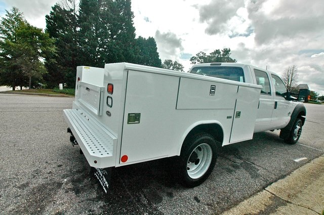 2016 F-550 Crew Cab DRW 4x4, Reading Service Body #ED49166X - photo 2