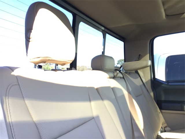 2017 F-350 Crew Cab DRW 4x4, Pickup #ED64014 - photo 22