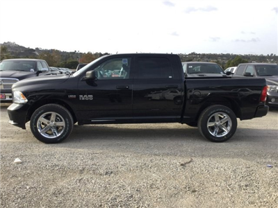 2017 Ram 1500 Crew Cab 4x4 Pickup #7R0201 - photo 8