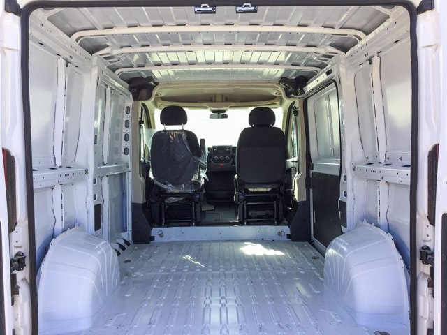 2017 ProMaster 1500 Low Roof Cargo Van #7R0722 - photo 10
