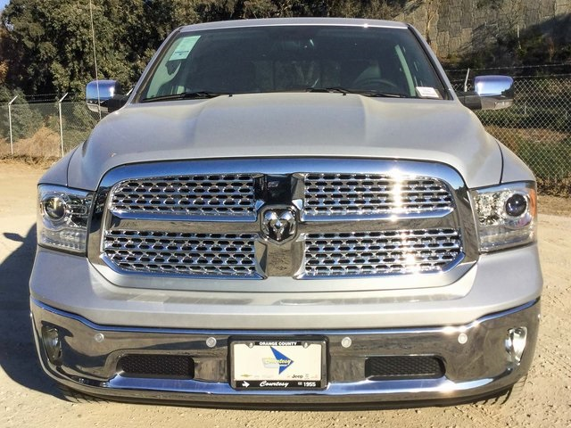 2018 Ram 1500 Crew Cab 4x4 Pickup #8R0236 - photo 3