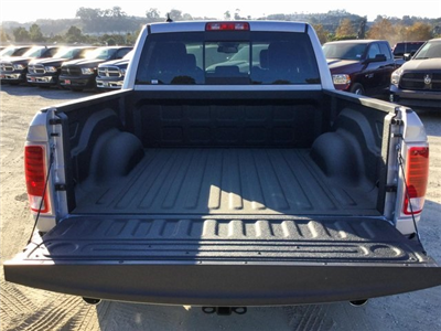 2018 Ram 1500 Crew Cab 4x4 Pickup #8R0236 - photo 8