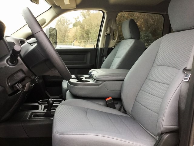 2018 Ram 3500 Crew Cab DRW 4x4, Pickup #8R0343 - photo 10