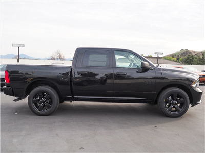 2018 Ram 1500 Crew Cab, Pickup #8R0447 - photo 3