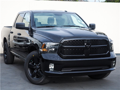 2018 Ram 1500 Crew Cab, Pickup #8R0447 - photo 4