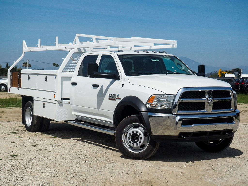 2018 Ram 5500 Crew Cab DRW 4x2,  Royal Contractor Bodies Contractor Body #8R0632 - photo 3