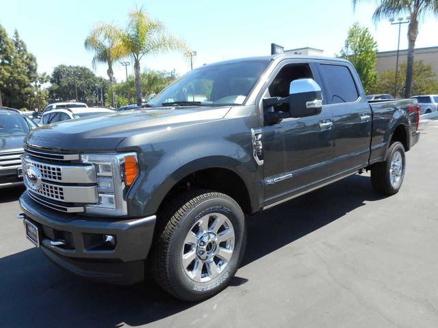 2017 F-250 Crew Cab 4x4, Pickup #171364 - photo 4