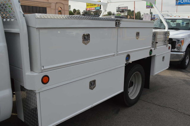 2016 F-450 Regular Cab DRW, Contractor Body #C161675 - photo 4