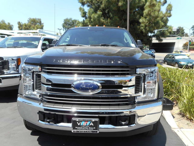 2017 F-550 Crew Cab DRW, Cab Chassis #C171238 - photo 3
