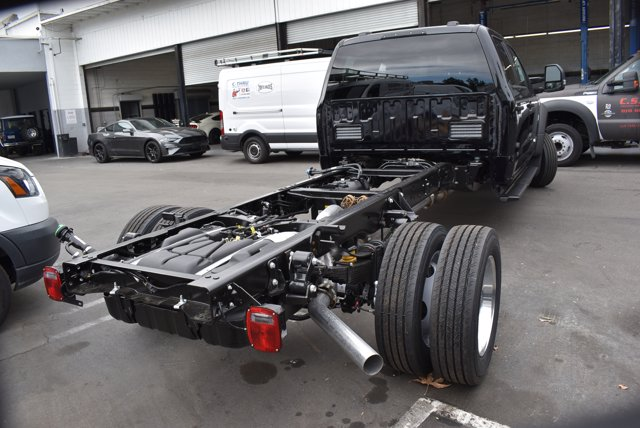 2021 Ford F-550 Crew Cab DRW 4x4, Cab Chassis #C210123 - photo 1