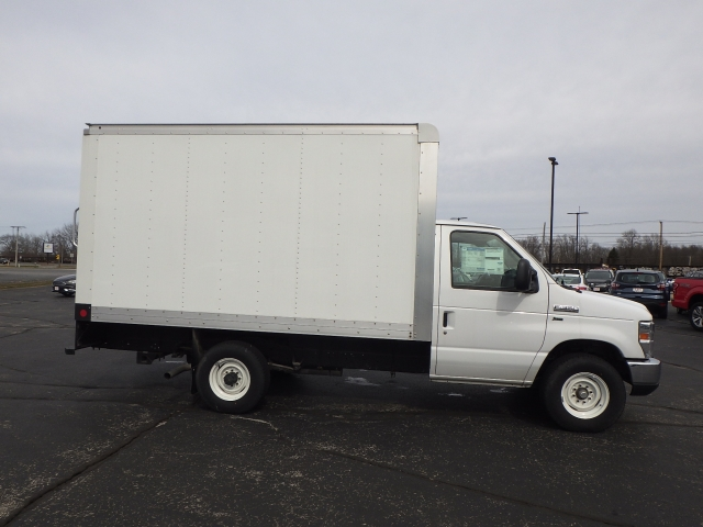 2014 E-350, Utilimaster Cutaway Van #EDA52211 - photo 18