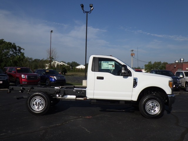2017 F-350 Regular Cab 4x4, Cab Chassis #HEB27802 - photo 18