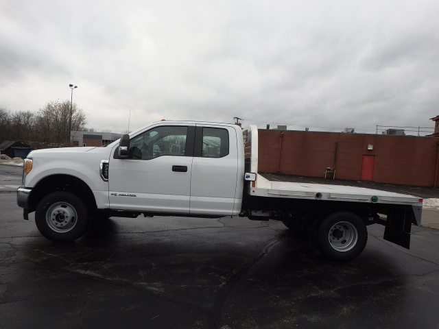 2017 F-350 Super Cab DRW 4x4, Platform Body #HEC75618 - photo 25