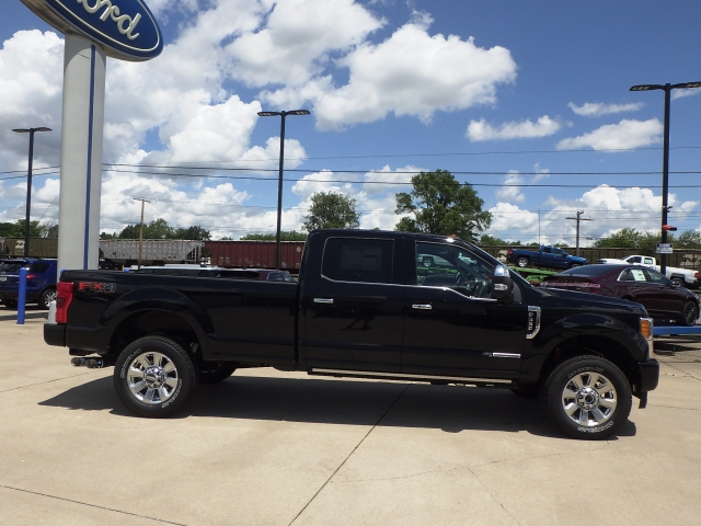 2017 F-350 Crew Cab 4x4, Pickup #HED91164 - photo 24