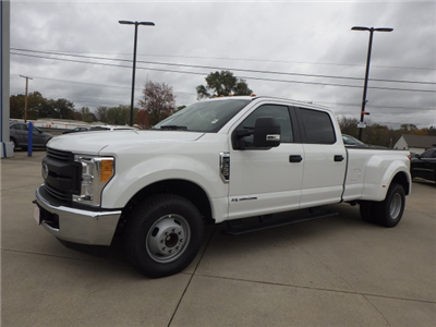 2017 F-350 Crew Cab DRW Pickup #HEE93593 - photo 3
