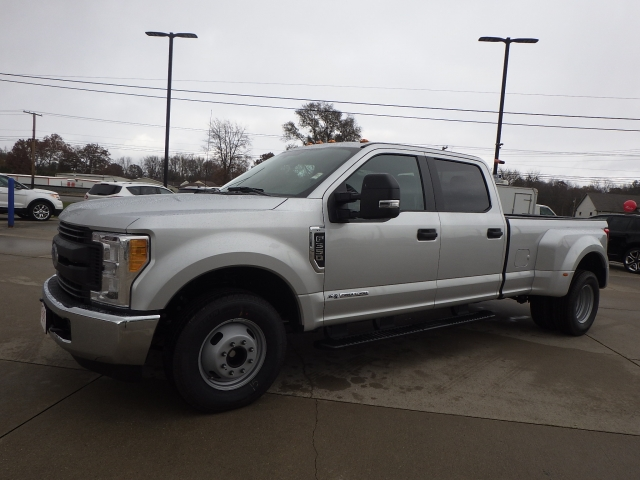 2017 F-350 Crew Cab DRW Pickup #HEF33828 - photo 3