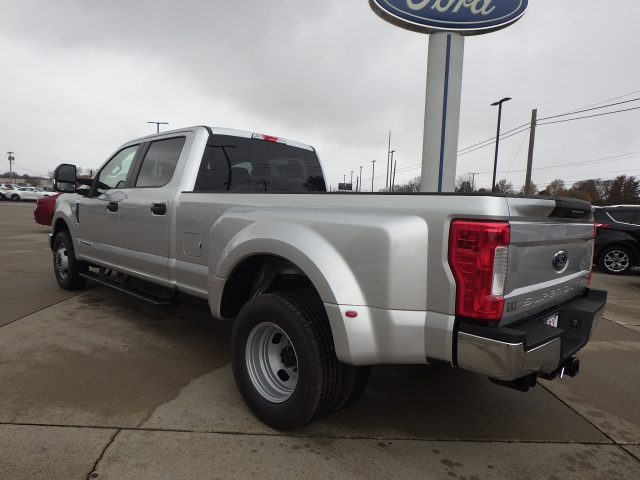 2017 F-350 Crew Cab DRW Pickup #HEF33828 - photo 4