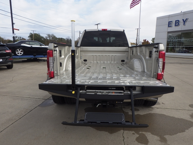 2017 F-350 Crew Cab DRW 4x4 Pickup #HEF33829 - photo 23
