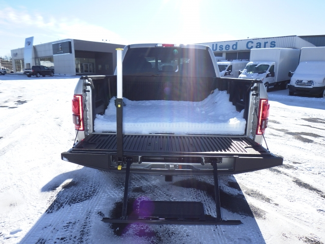 2017 F-150 SuperCrew Cab 4x4, Pickup #HFA85623 - photo 22