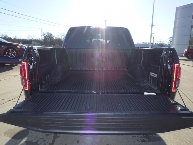 2017 F-150 SuperCrew Cab 4x4, Pickup #HFB51499 - photo 21