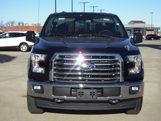 2017 F-150 SuperCrew Cab 4x4, Pickup #HFB51499 - photo 23