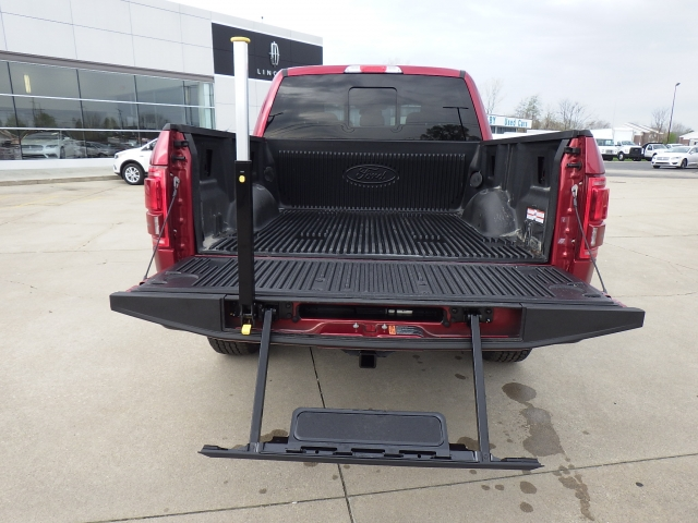 2017 F-150 SuperCrew Cab 4x4, Pickup #HFC01851 - photo 24