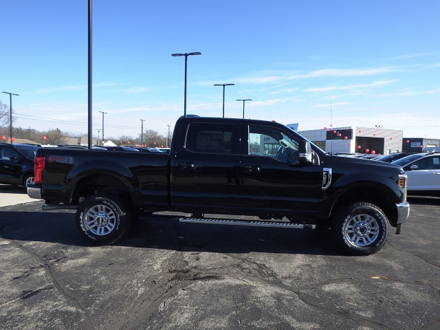 2018 F-350 Crew Cab 4x4, Pickup #JEB35017 - photo 22