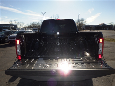 2018 F-350 Crew Cab 4x4, Pickup #JEB35017 - photo 21