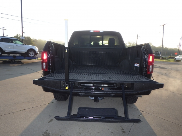 2018 F-150 Crew Cab 4x4, Pickup #JFA29885 - photo 23