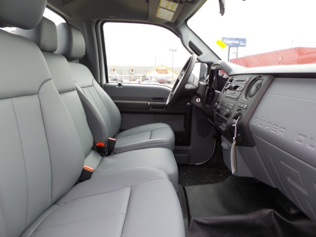 2016 F-550 Regular Cab DRW 4x4, Supreme Dry Freight #GEA36547 - photo 5