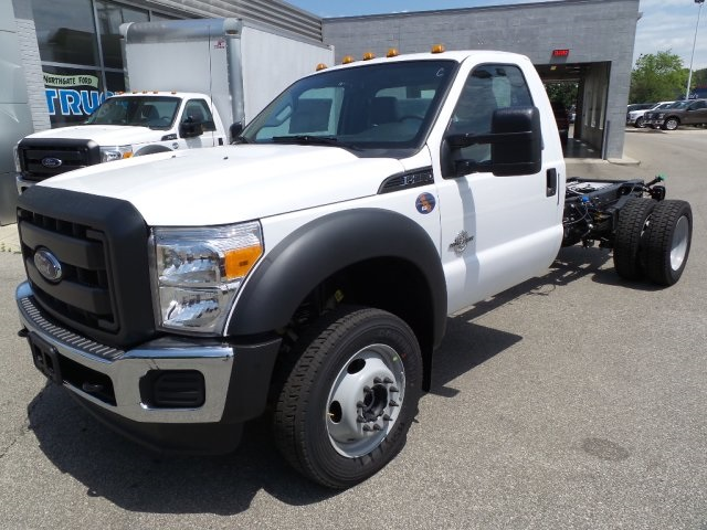 2016 F-550 Regular Cab DRW 4x4, Dump Body #GED16154 - photo 4